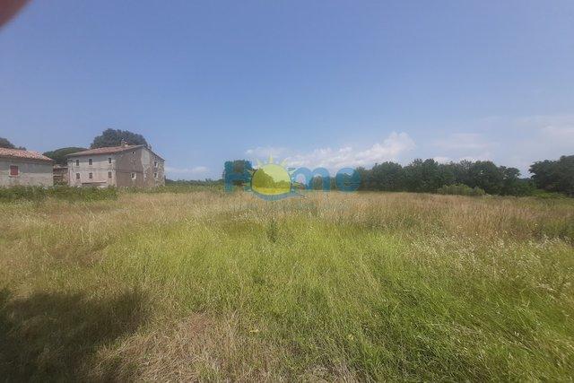 Istra, Kaštelir, Građevinsko zemljište