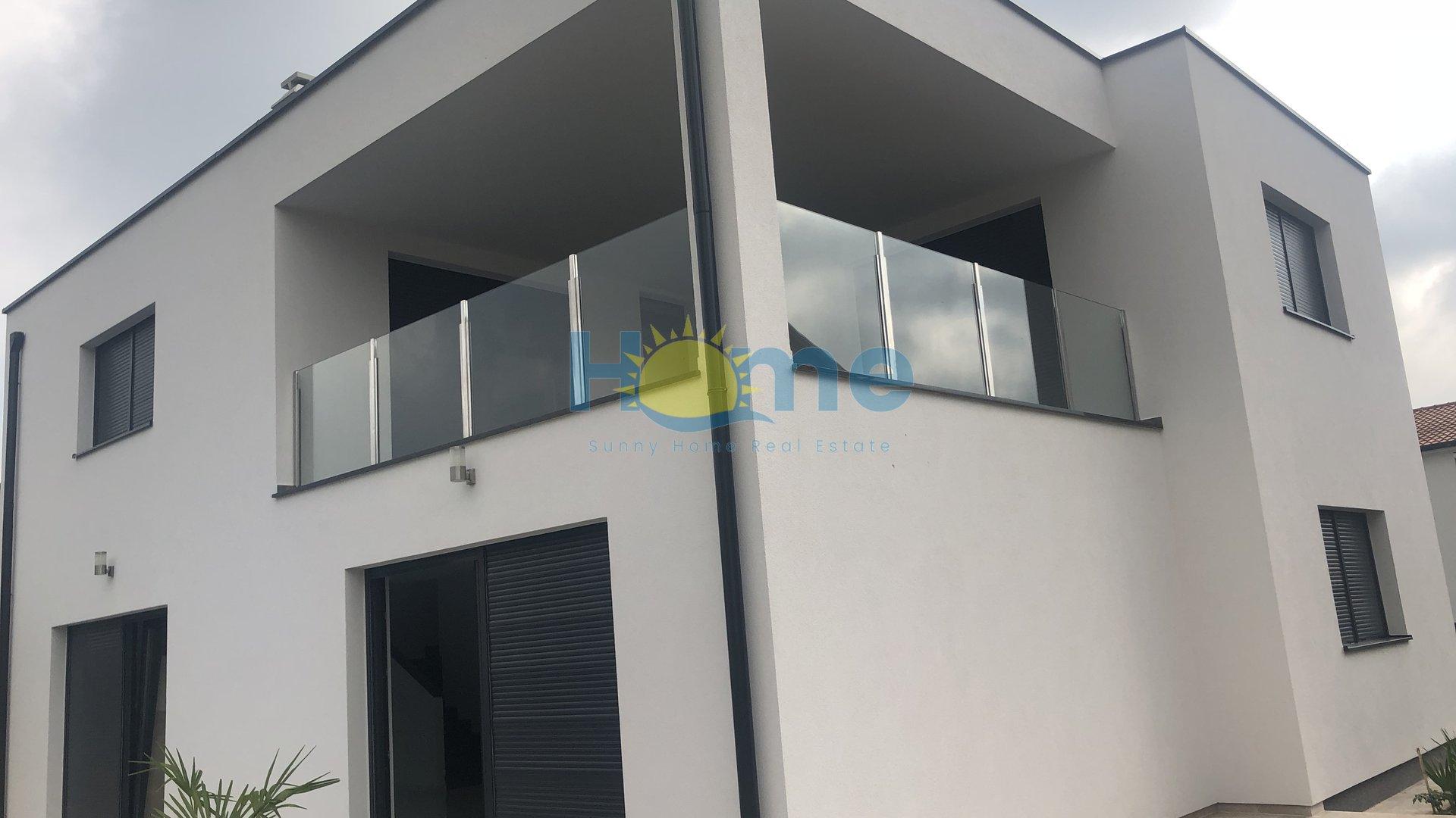 Poreč - nova moderna vila 3 km od centra i mora