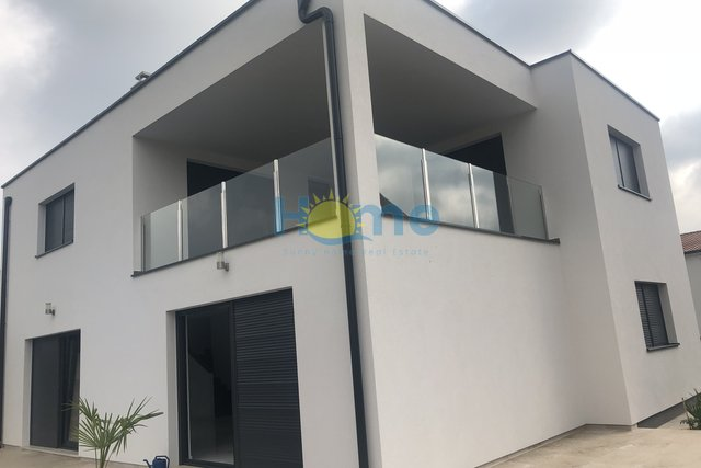 Haus, 254 m2, Verkauf, Poreč