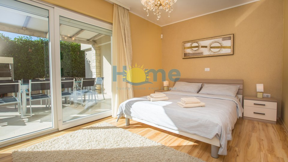 Istra - Poreč,  beautiful luxury villa with pool 1500 m from the sea