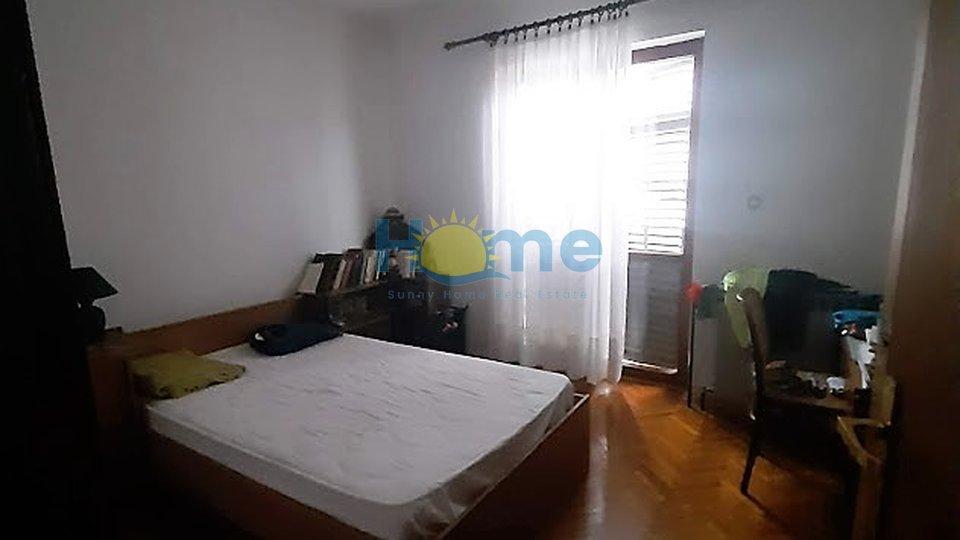 Opportunity! House in Poreč 260 m2 for 1000 EUR/m2