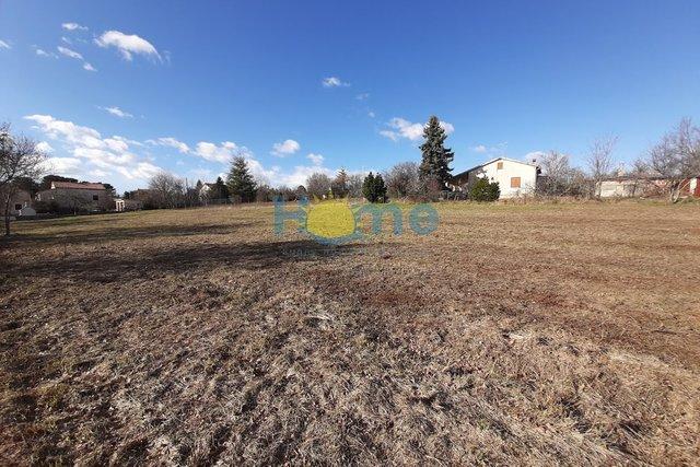 Land, 930 m2, For Sale, Višnjan