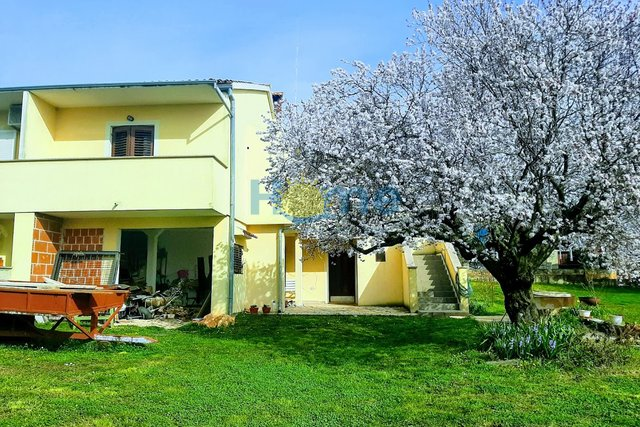 House, 111 m2, For Sale, Poreč