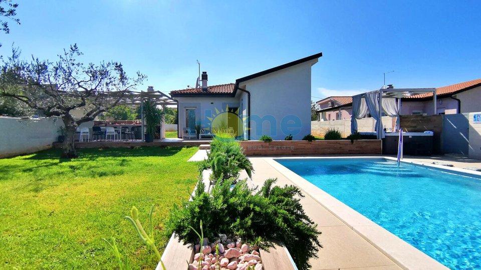 Istra, Novigrad - vila s bazenom  na mirnoj lokaciji blizu mora