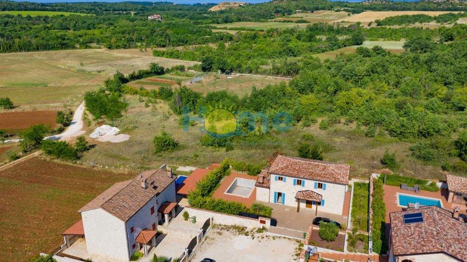 Istra - Poreč, samostojeća kuća s bazenom 5 km od Poreča i mora
